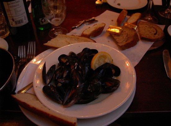 Cafe Rouge - Basingstoke: Starter portion of mussels