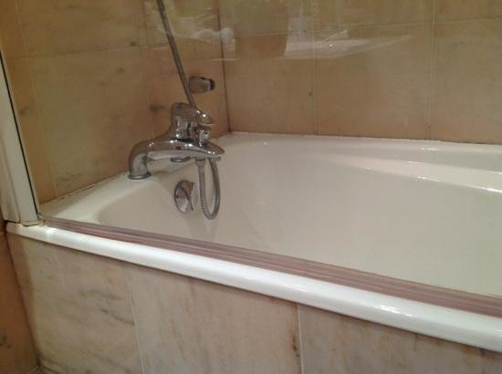 Le Choiseul: baignoire a renover