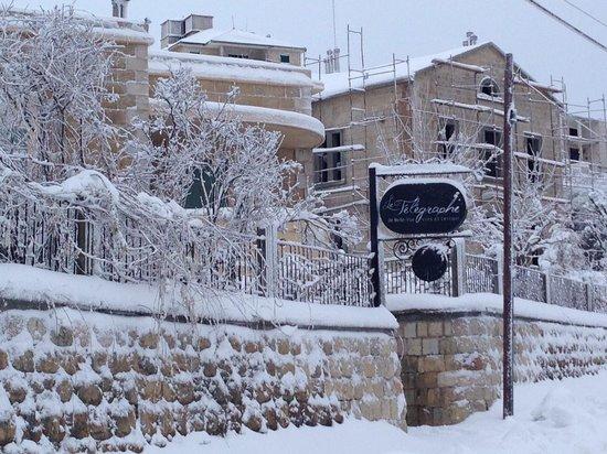 Le Telegraphe de Belle-Vue: Le Telegraphe under the snow in Jan 2013