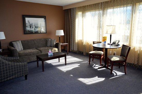 La Quinta Inn & Suites Seattle Downtown: Living area.