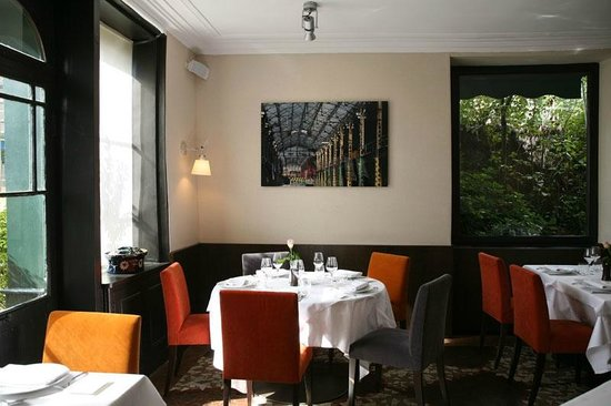 Photo of French Restaurant L'Escarbille at 8 Rue De Velizy, Meudon 92190, France