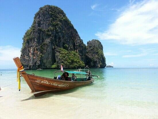 Vogue Resort & Spa Ao Nang: 15 mins by boat