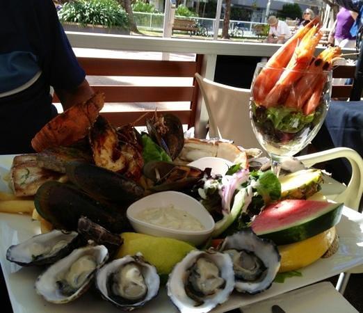 Bugzies Seafood Restaurant: Delish .....