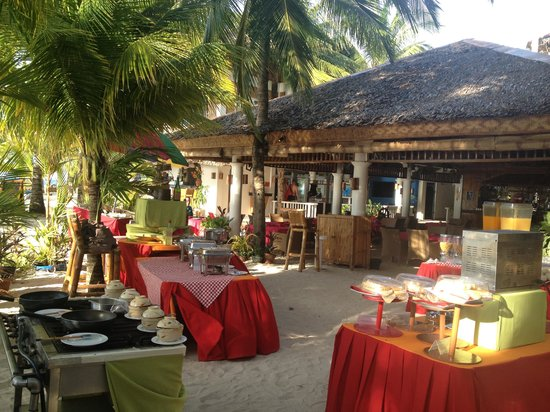 Malapascua Exotic Island Dive & Beach Resort: The breakfast buffet.. But not daily!:-(