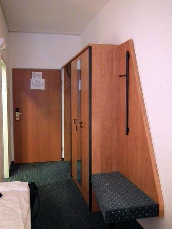 Novina Hotel Sued West Park: Ingresso