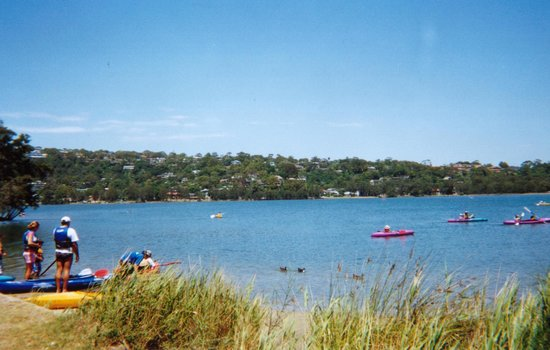 Limani Seafood Restaurant: Narrabeen lake a beautiful view