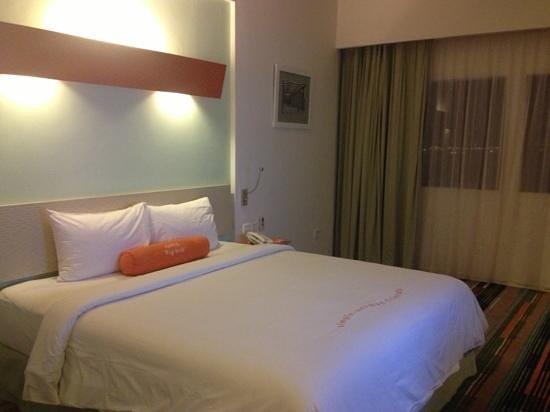 HARRIS Hotel Batam Center: no frills room