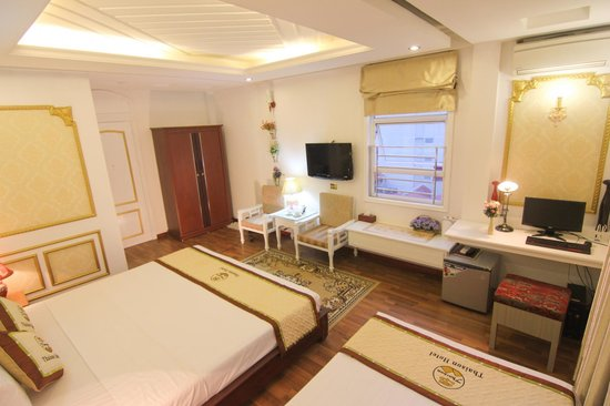 Parkson Hotel Hanoi: Family Suites 802 with 2 windows city views