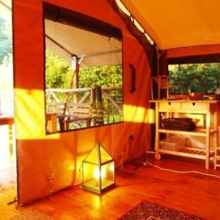 Cabanes de Kermenguy : Tente LODGE - Cuisine