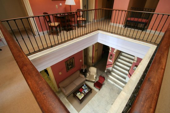 Bellas Artes Hotel: Treppenhaus, Atrium