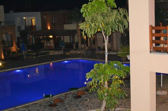 Omega Platanias Hotel Village: Omega