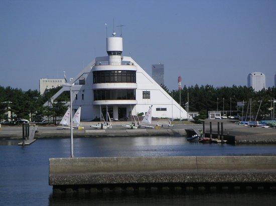 Inage Ocean Park: 稲毛海浜公園(稲毛ヨットハーバー)