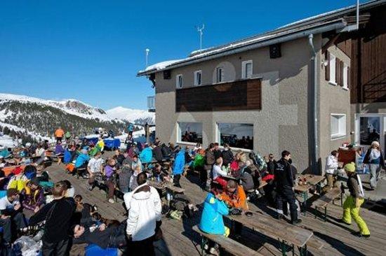 Sit-Hütte: Sonnenterrasse mit den meissten Sonnenstunden
