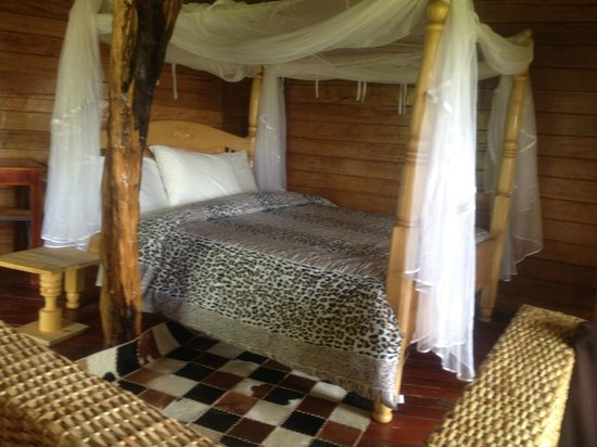 Mburo Safari Lodge: Inside the Buffalo Cottage
