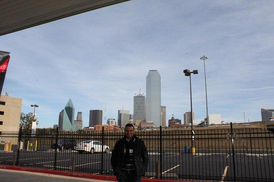 American Airlines Center: Dallas Skyline