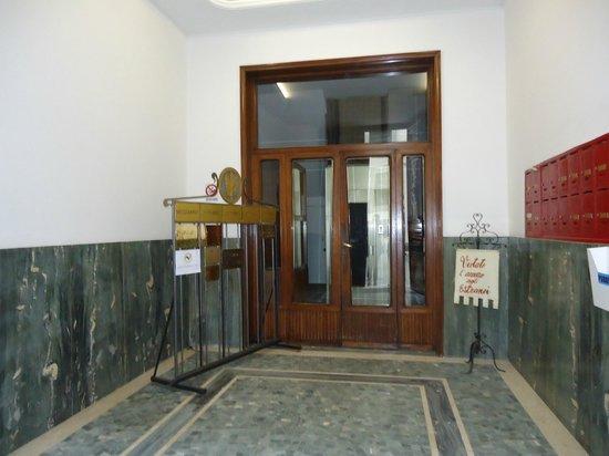 B&B Le Stanze del Duomo: ENTRADA PORTAL