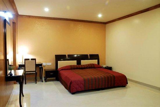 Pink Pearl Hotel & Fun City: luxury room