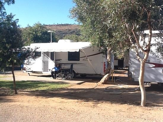 BIG4 MacDonnell Range Holiday Park: Relaxing in the Alice