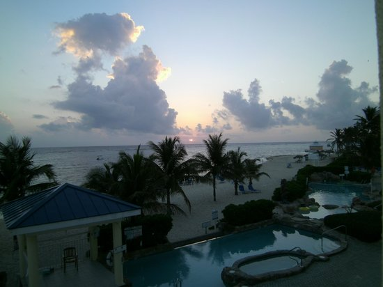 Wyndham Reef Resort: Sunrise