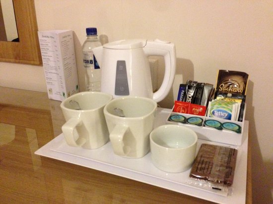 Little Silver Country Hotel: tea and coffee making facilities