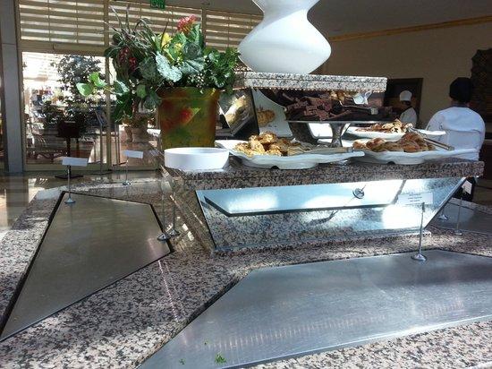 Crystal Paraiso Verde Resort & Spa : buffet