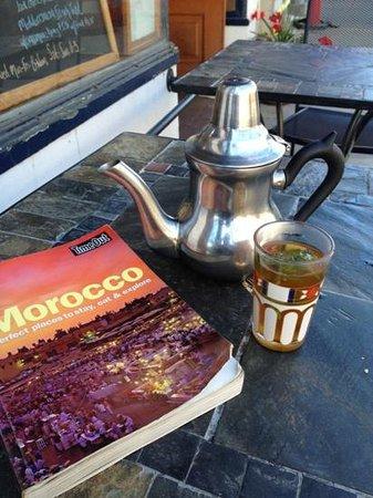 Amanouz Cafe: Moroccan tea