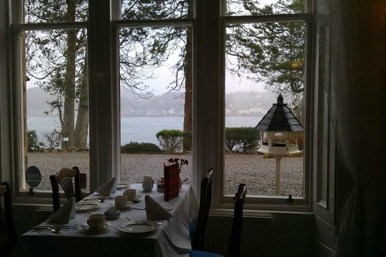 Dungallan Country House: breakfast setting
