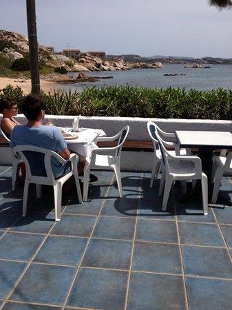 Zi Antò : vista del mare dai tavoli