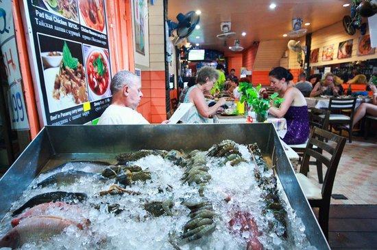 Arroi: fresh seafood