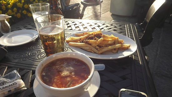 M&S Grill: Maryland Crab Soup, fries, and beer
