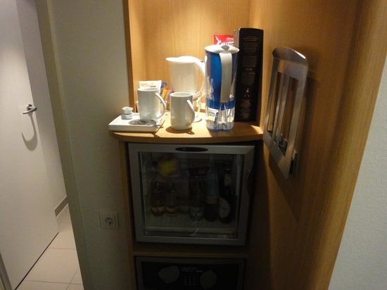 Novotel Hamburg City Alster: Very incovenient at all!.