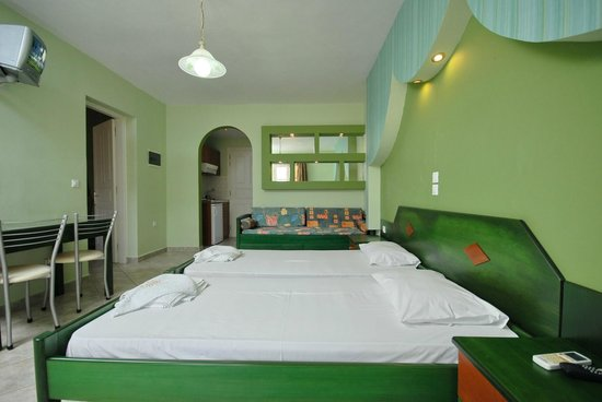 Golden Sun Hotel: 2 Bedroom Suite