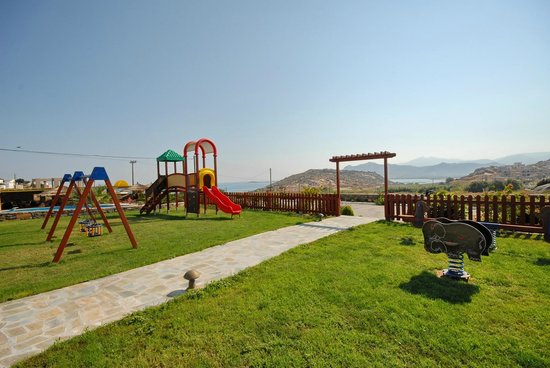 Golden Sun Hotel: Playground