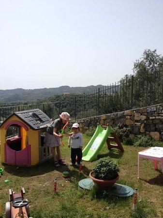 Agriturismo Casale Filiberto Diano San Pietro: giochi all'aria aperta