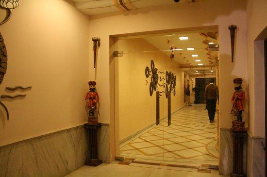 Hotel Priya : Entrance/Lobby
