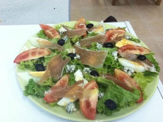 Mateo Pizza: haad yao salad