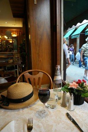 Restaurant Pizza Da Celio: Window seat