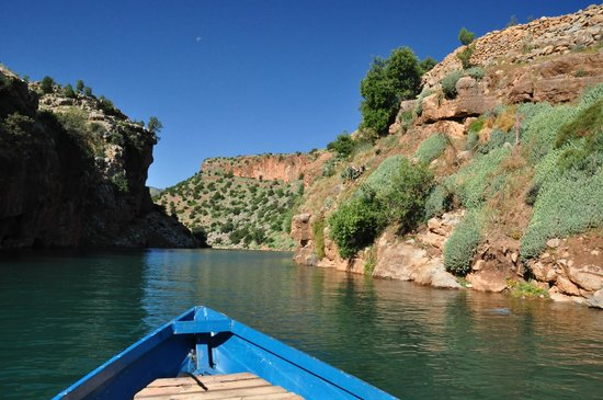 Hotel Chems du Lac Bin el Ouidane : gorgeous gorge, taken from a boat
