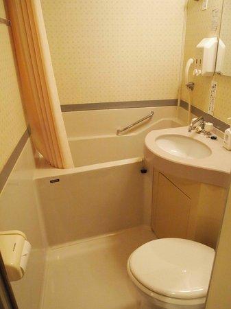 Hotel Cerezo : Bathroom