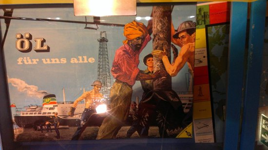 """Museum Ravensburger: """"Oil for us all"""" board game"""