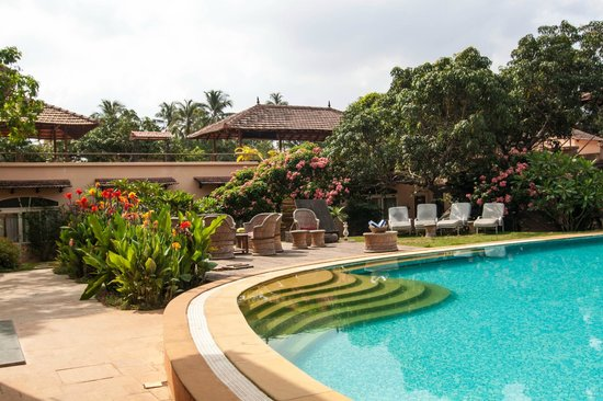 Orritel Village Square: Hotel pool