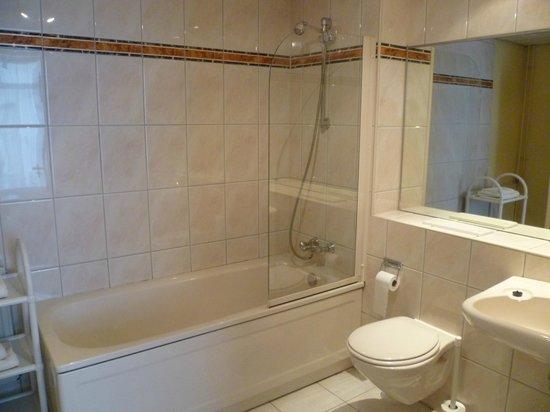 Hotel Restaurant Royal Sas van Gent: Bathroom