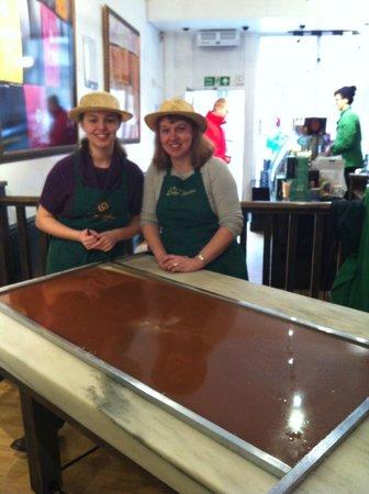 Fudge Kitchen : Fudge Making Experience