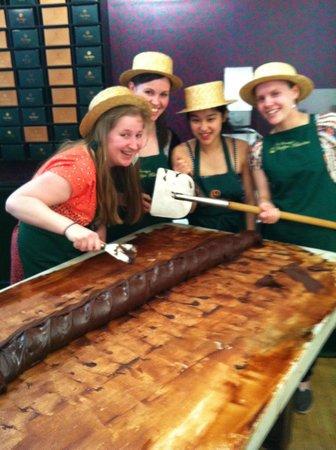 Fudge Kitchen : Birthday party fudge making fun!