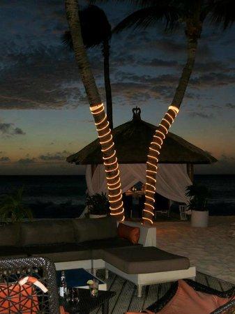 Bucuti & Tara Beach Resort Aruba: view from seats at the bar
