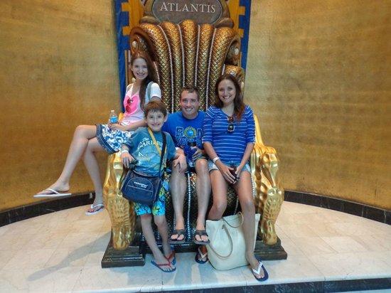Atlantis, Royal Towers, Autograph Collection: Reyes de Atlantis!!