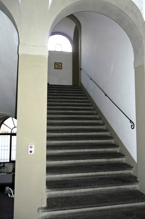 Foresteria Valdese Firenze: one of many stairs
