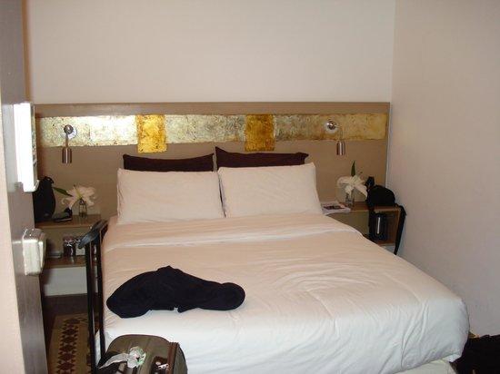 Vrabac Guesthouse: il letto matrimoniale