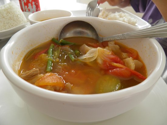 Tartaruga's Hotel and Pagudpud Yacht Club Restaurant: Pork Sinigang which was already halfway consumed when I took this picture.