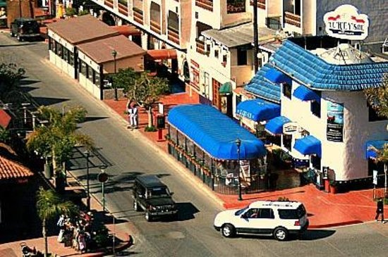 First Street : Calle Priemra Ensenada